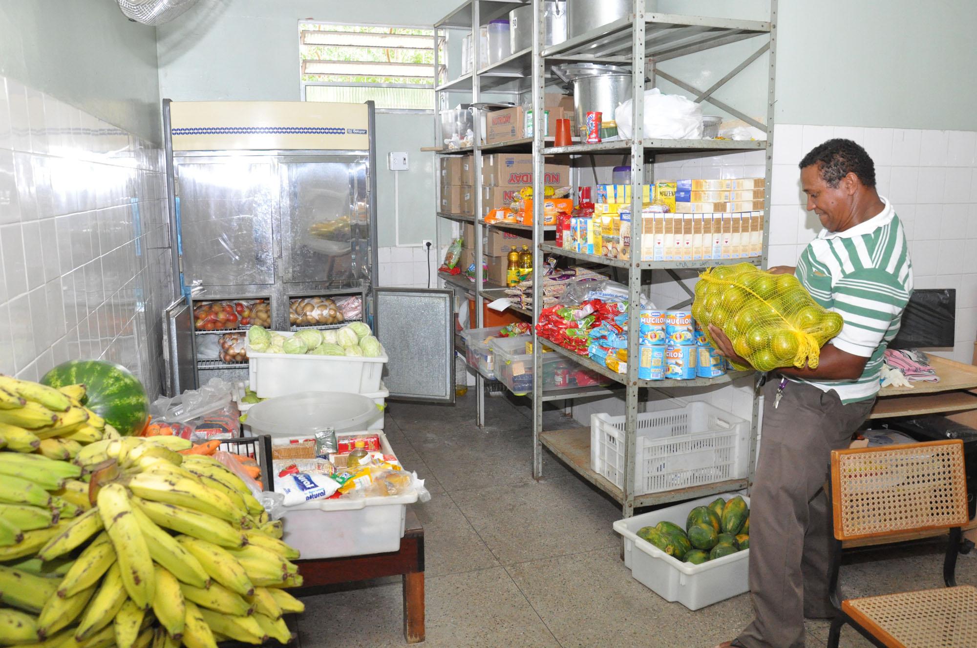 Foto 1 - DOMINGO - reestruturação de unidades municipais de saúde Unidade Mista de Bequimão foto Nestor Bezerra