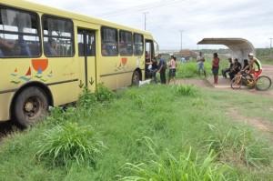Parada de Ônibus BR 135  (41)