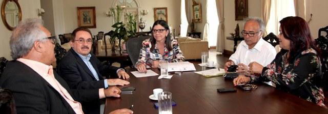 Foto 1 Governadora e prefeito de Barreirinhas foto Antônio martins