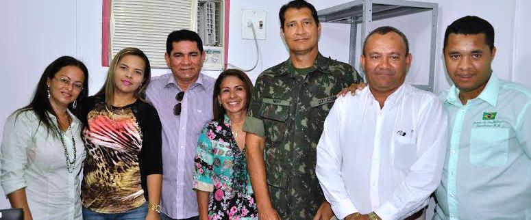 O prefeito e os servidores que aturarão na junta
