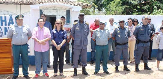 O prefeito e as autoridades passando a tropa em revista