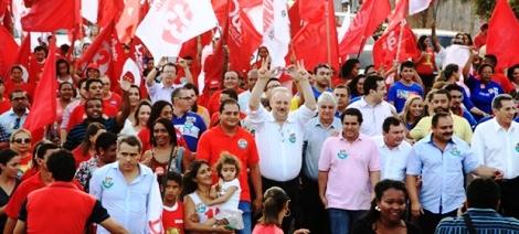 Weverton Rocha com Berzoini e Holandinha em caminhada de Dilma organizada por PDT e aliados