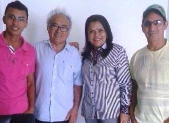 Graça Paz com Léo Costa, o chefe de gabinete Antonio Caldas e o assessor da prefeitura, Alessandro Reis