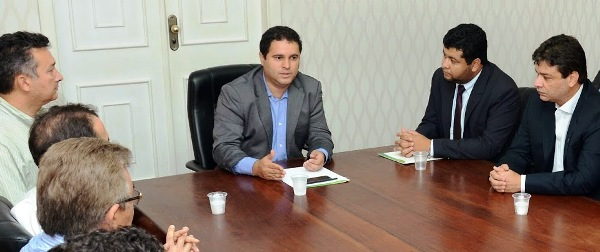 Holandinha, Diogo Lima e os representantes do setor da construção