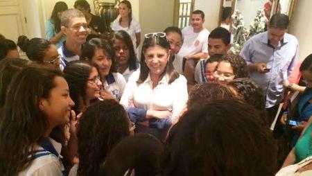 Roseana entre estudantes: alto astral nos últimos dias