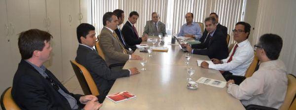 Jorge Pavão e os conselheiros do TCE com os secretários de Estado