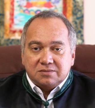 Juiz Flávio Roberto; e a cara dele nem treme