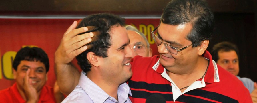 Holadninha e Dino: juntos também nos piores momentos, para aplausos de Jerry, logo atrás