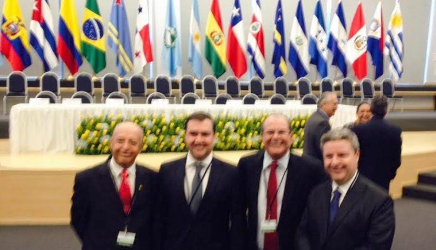 Deputado Hildo Rocha com demais integrantes da comitiva brasileira: Senadores Antonio Anastasia (PSDB/MG) e Antonio Carlos Valadares (PSB/SE) e o deputado federal Luis Louro Filho (PSB/SP)