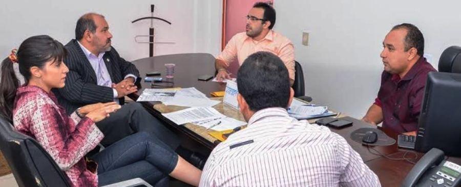 Costa, Uchoa e representantes da defesa animal: regulamentação da lei...