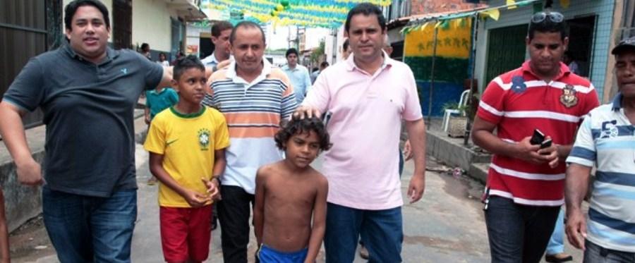 """Osmar Filho com Edivaldo mem visita aos bairros: """"pavimentação reforça chances""""..."""