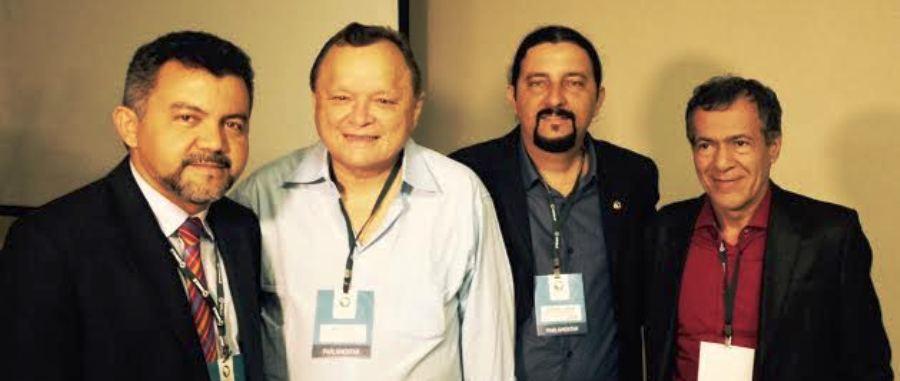 O deputado com o colega PaulO neto, o depuado federal Cléber Verde, e o diretor de comunicação da AL-MA, Carlos Alberto Oliveira