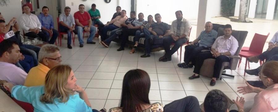 prefeitos se reuniram há duas semans para definir pauta de reivindicações a Flávio Dino