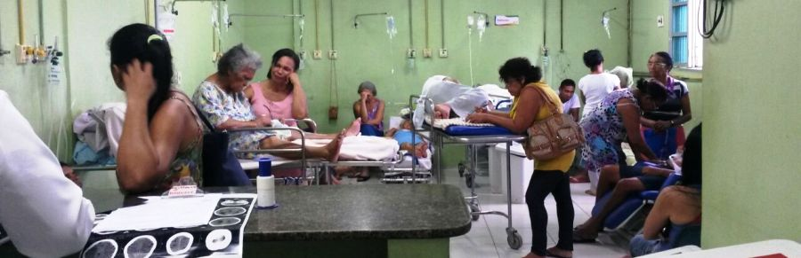 Enfermeiros são obrigados a cuidar de dezenas de pacientes ao mesmo tempo