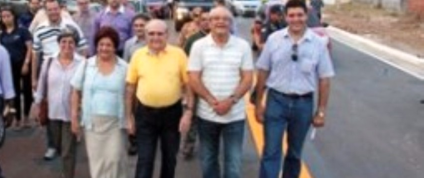 O ex-prefeito percorrendo a Mário Andreazza, totalmente recuperada...