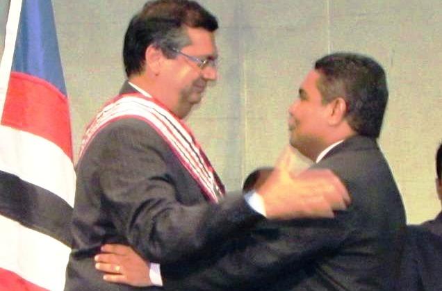 Araújo com o chefe Dino: quebrou-se a confiança?!?