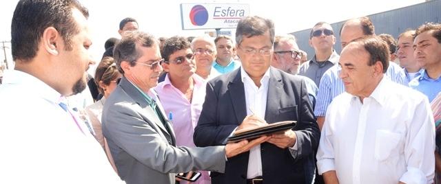 Dino lançando programa de asfaltamento em Imperatriz: contratos deixados por Roseana...