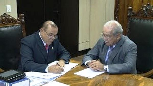 Chiquinho com César Borges, em uma das várias audiências para tratar das rodovias maranhenses....