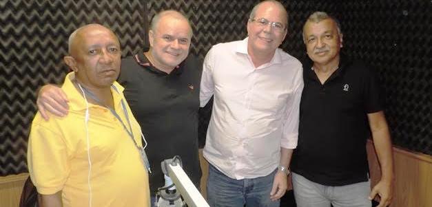 Hildo, com o assessor Luzi Batalha e os radialstas carlito Internacional e Geraldo Castro, da Mirante AM