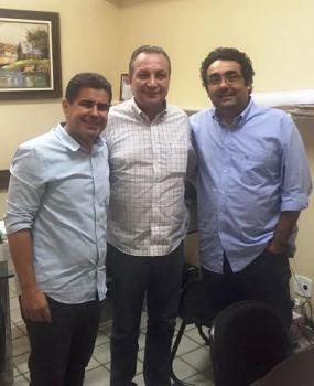 Luis Fernando entre Guterres e Júnior: aliança
