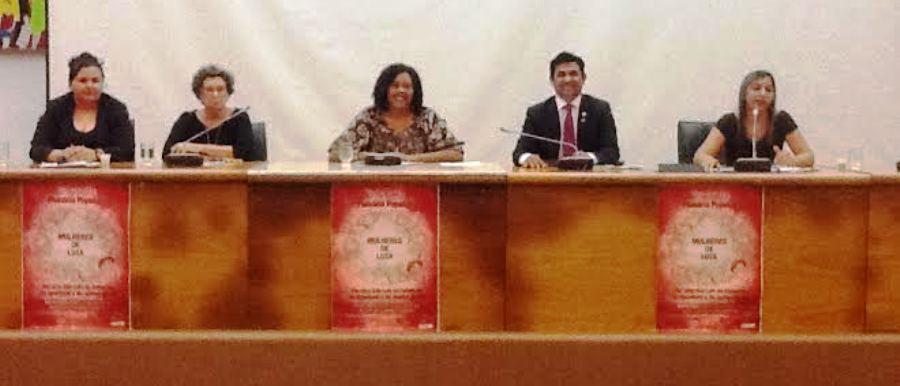 Rose Sales entre os convidados da plenária: debate feminino
