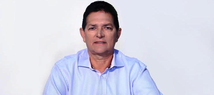 O prefeito Amaury Almeida