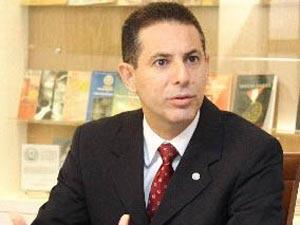 Gervásio explica questões envolvendo processos legais