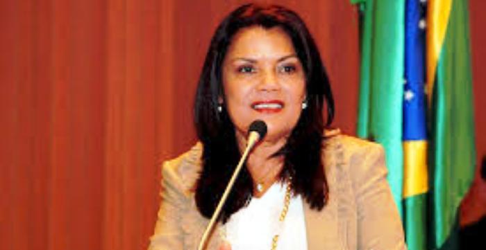 Graça Paz fez referência a dois momentos do país, ambos com movimentos populares