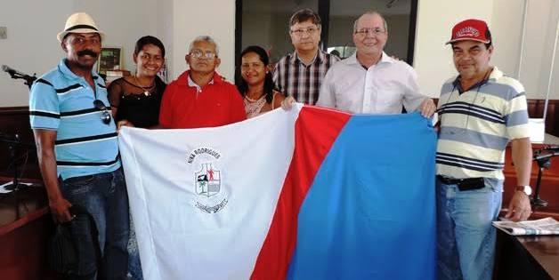 Hildo Rocha com Jones Braga e integrantes do PMDB. Trabalhando pelo fortalecimento da legenda