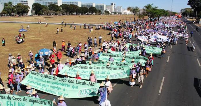 Organizadas pela Fetaema, margaridas maranhenses marcharam na Esplanada dos Ministérios