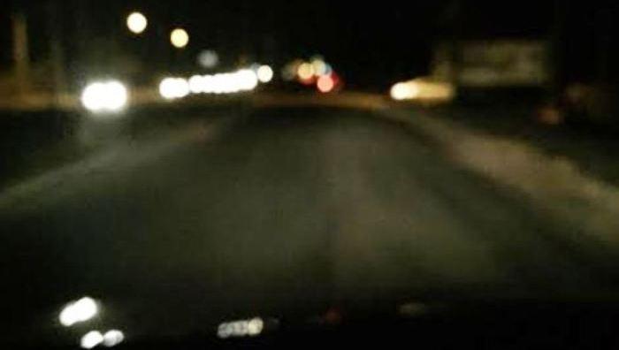 Até o iní cio de setembro, a estrada estava assim, totalmente às escuras