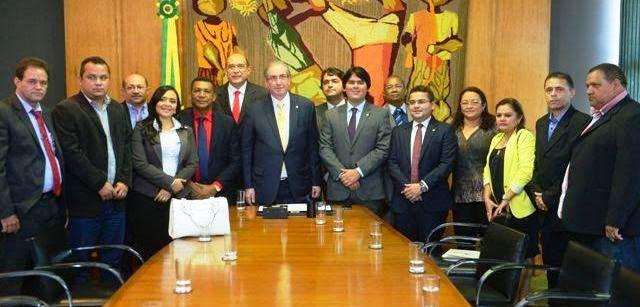 André Fufuca com os prefeitos e o presidente da Câmara, Eduardo Cunha...