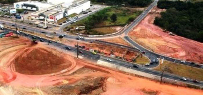 Grandes obras, como a Via Expressa, são todas feitas pelos governadores