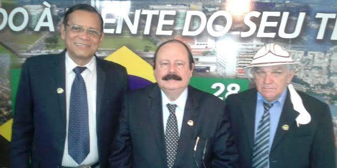 """Bentivi com Levy Fidélix e João Câncio: """"candidatura confirmadíssima"""", garante"""