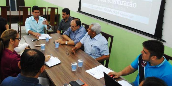 Prefeitos reunidos na Famem para discutir a crise nos municípios