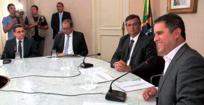 Edivaldo com Flávio Dino na assinatura do convênio
