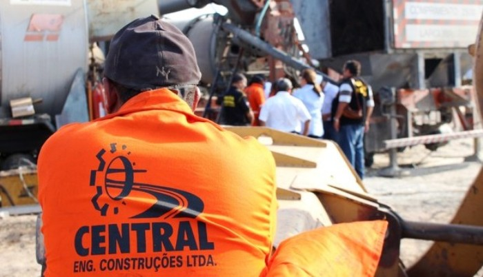Fiscais do Minitério Público do Trabalho resgatam trabalhadores tidos como escravos na Central Engenharia