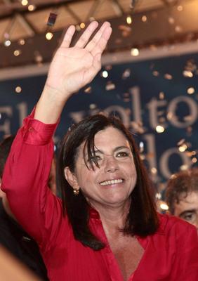 Fora do debate, ex-governadora abre mão da força eleitoral