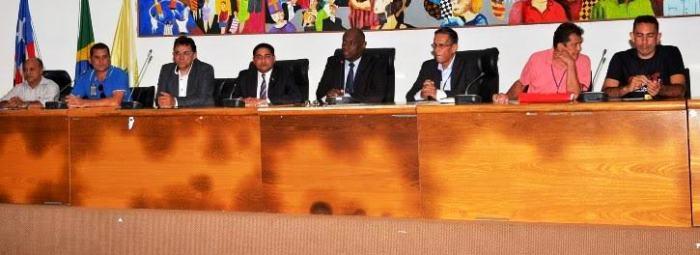 Zé Inácio, com Cabo Campos e representantes dos Correios e da Segurança Pública