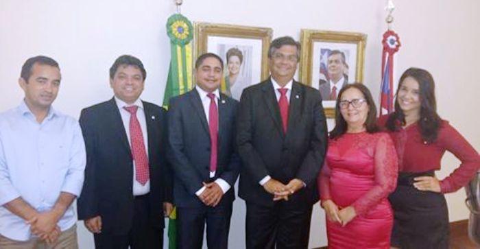 Zé Inácio com Belezinha, Flávio Dino, Márcio Jerry e assessores de Chapadinha