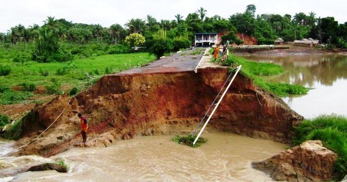 Barragem rompida em Gonçalves Dias, em 2008: inundação (Imagem: G.D.News)