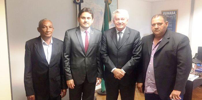 Ju8scelino com Arnaldo Melo e as lideranças de Santa Rita