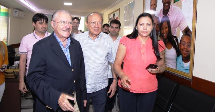 Sarney no PMDB, recepcionado por João Alberto e jovens peemedebistas