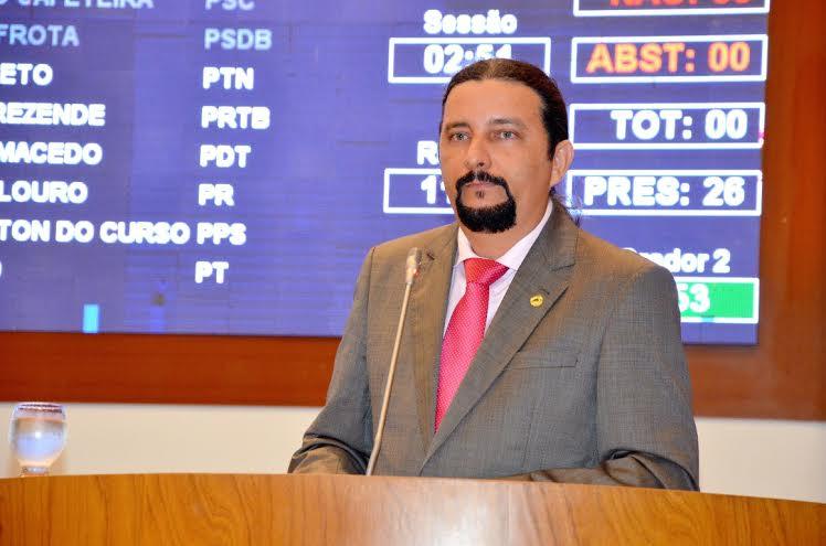 Júniorf Verde fez discurso na Assembleia