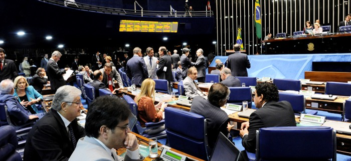 Senadores abriram brecha para troca de partidos