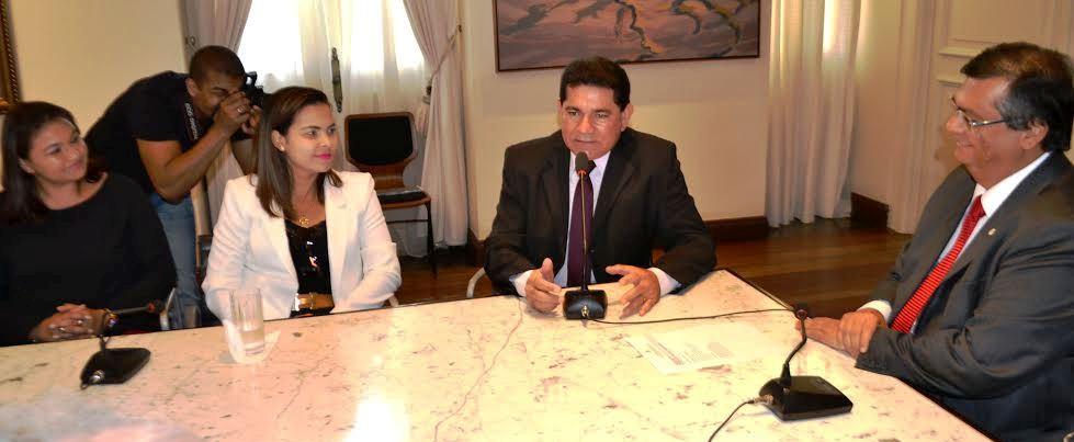 Alan Linhares, com representantes do Ifma e Flávio Dino