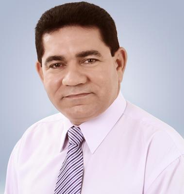 O prefeito Alan Linhares