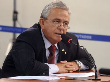 Fernandes pode entrar no debate do impeachment