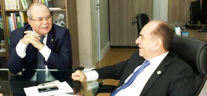 Hildo Rocha com o ministro Marcelo Castro: benefícios e recursos da Saúde para o Maranhão