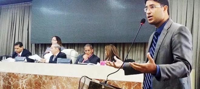 Rocha Júnior copiou a justificativa do colega sem pesquisar antes